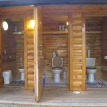 Accomodations Toilet_3